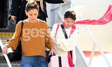 Καρέ – καρέ η άφιξη της Katie Holmes και της κόρης της στην Αθήνα!