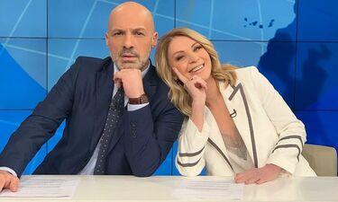 «Για την παρέα»: Θα… λιώσετε από το γέλιο με το δελτίο ειδήσεων που παρουσίασαν Μουτσινάς-Στάη!