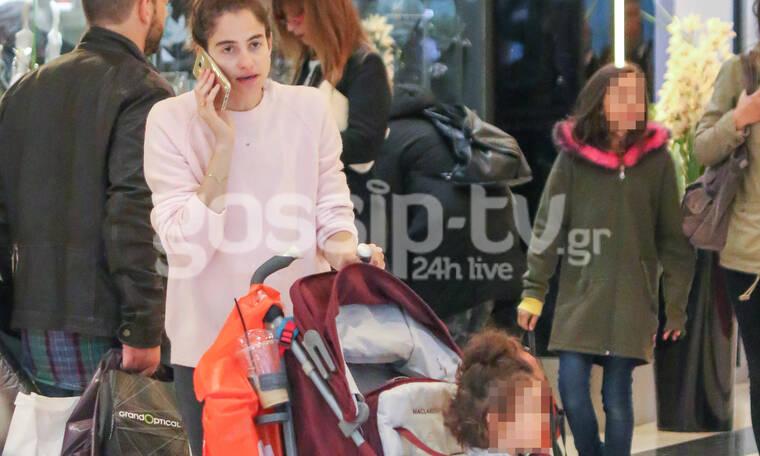 Η Νεφέλη Κουρή με την κόρη της – Είναι μια μοντέρνα μαμά (photos)