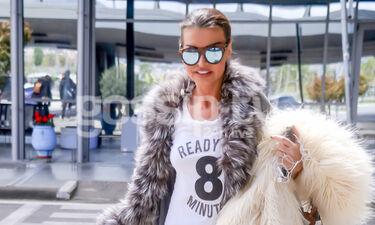 Νίνα Λοτσάρη: Στη Θεσσαλονίκη και με ένα μη αναμενόμενο ντύσιμο