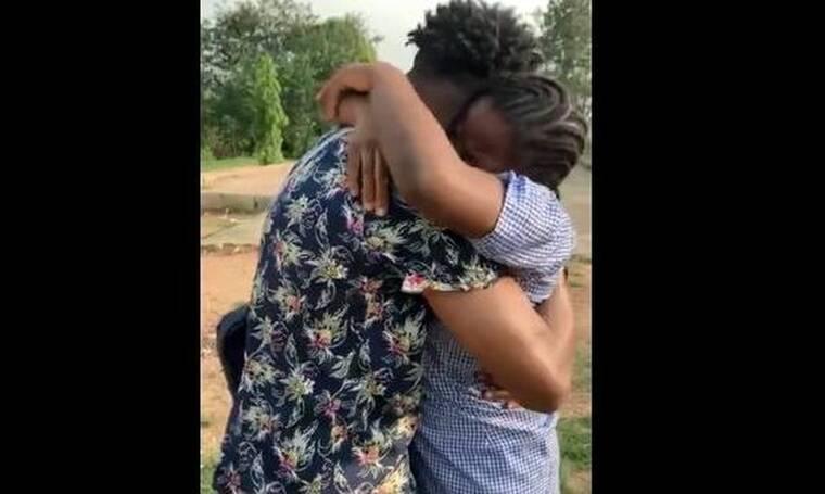 Συγκινητική στιγμή: Είδε την αδερφή του μετά από 8 χρόνια - Απίστευτα συναισθήματα! (video)