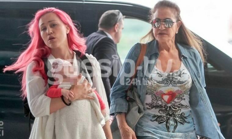 Πηνελόπη Αναστασοπούλου: Στη Θεσσαλονίκη με τη μαμά και την κόρη της