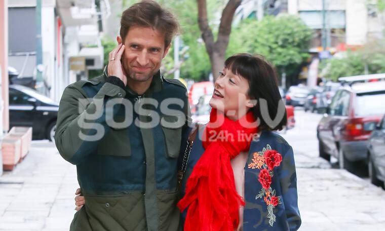 Μάξιμος Μουμούρης-Νάντια Γιαννακοπούλου: Καιρό είχαμε να τους δούμε! Βόλτα για το ερωτευμένο ζευγάρι