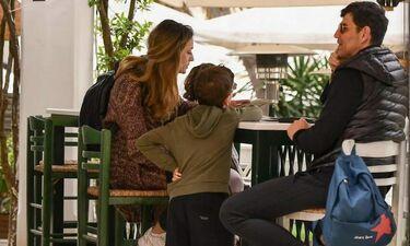 Στην Κέρκυρα ο Σάκης Ρουβάς με την οικογένειά του για τις ημέρες του Πάσχα (φωτό)