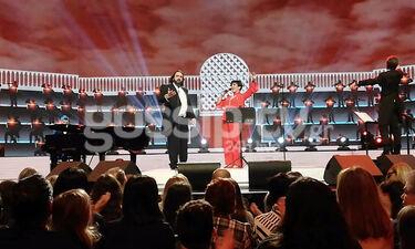 YFSF: Η Φιλίνη και ο Παναγόπουλος ως Liza Minnelli και Luciano Pavarotti στη σκηνή (video)