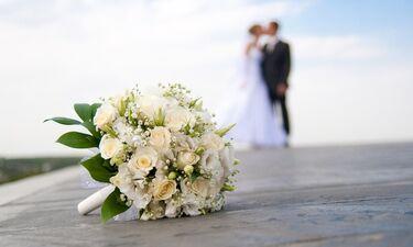 Κι άλλο ζευγάρι της ελληνικής showbiz παντρεύεται! Δείτε τις μπομπονιέρες του γάμου του (Vid)