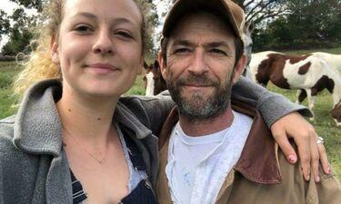 Η κόρη του Λουκ Πέρι αποκαλύπτει πως ο πατέρας της δεν κηδεύτηκε σε κανονικό φέρετρο