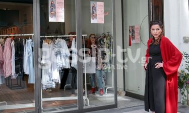 Δέσποινα Βανδή: Βάλε – βγάλε τα ρούχα σε fashion bazaar! (photos)