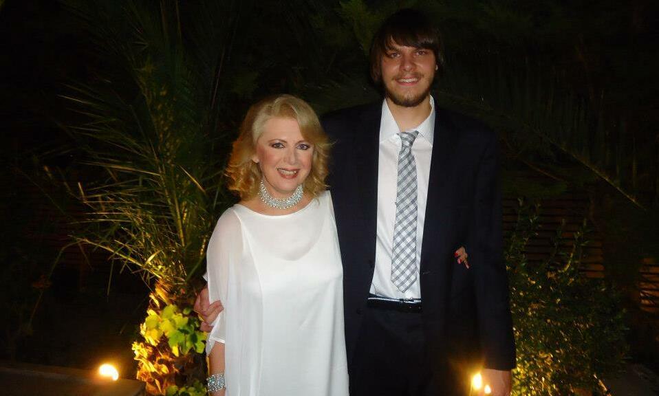 Η Έλενα Ακρίτα με τον γιο της