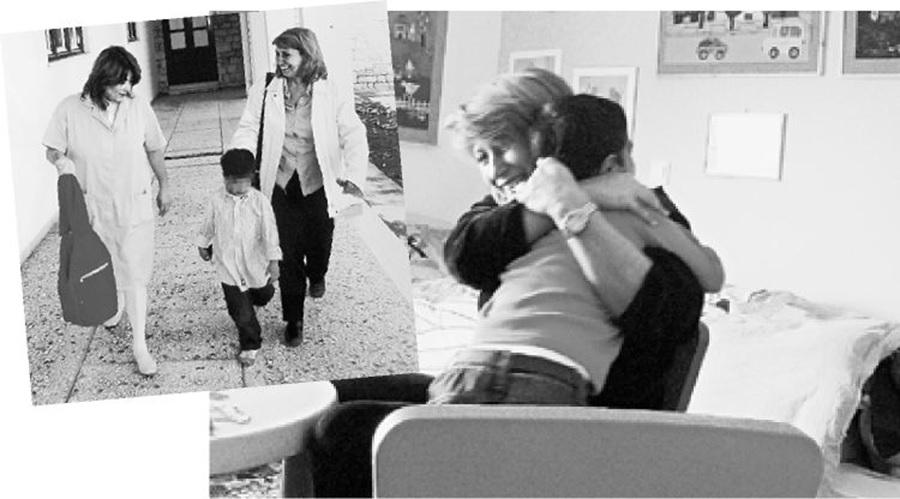 Η Ελένη Καλογεροπούλου με τον γιο της Μύρωνα