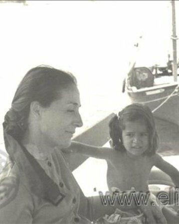 Η Έλλη Λαμπέτη με την κόρη της