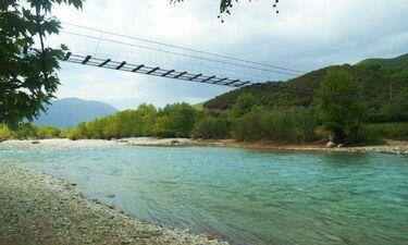 Αυτή είναι η πιο περίεργη γέφυρα στην Ελλάδα! (video)