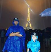 Ο Μανίκας με τον γιο του στο Παρίσι