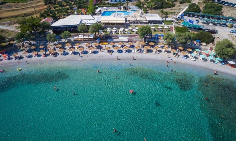 Γαλάζιες σημαίες 2019: Αυτές είναι οι πιο καθαρές παραλίες για φέτος (πίνακες)