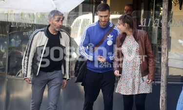 Θοδωρής Αθερίδης: Βόλτα με την εγκυμονούσα κόρη του και τον σύντροφό της (photos)