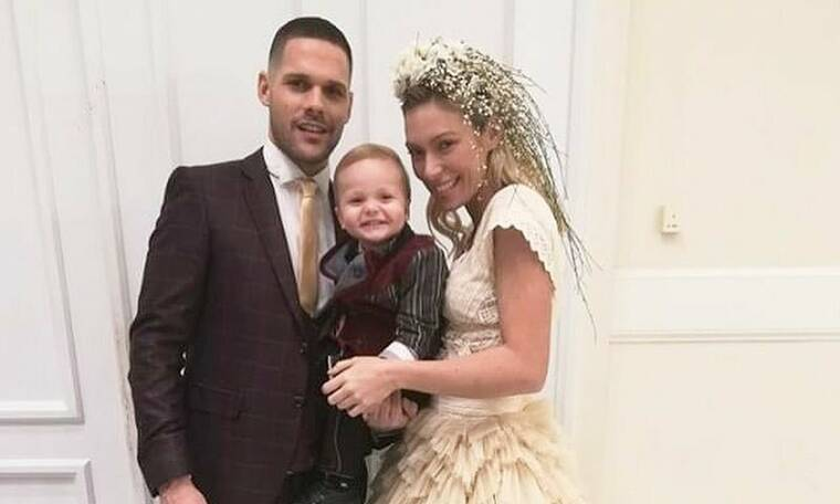 Φωτιάδη-Μπορμπόκης: Οι πρώτες εικόνες από τη βάφτιση του γιου τους (photos)