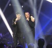 Οι δυο τους στη σκηνή ξεσηκώνοντας το κοινό