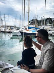Με την μικρή του κόρη Δέσποινα
