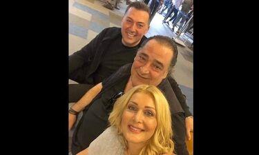 Η συνάντηση στο αεροδρόμιο, η selfie και ο κατακλυσμός σχολίων για… το σχήμα της χρονιάς (photo)