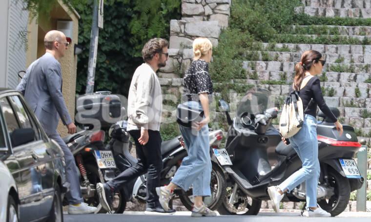 Τόνια Σωτηροπούλου - Κωστής Μαραβέγιας: Βόλτα στο κέντρο της Αθήνας με γνωστή ξένη ηθοποιό (photos)