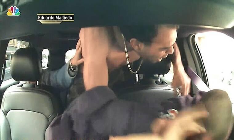 Τρομερό! Επιβάτης πλάκωσε στο ξύλο οδηγό ταξί γιατί δεν έτρεχε (photos+video)