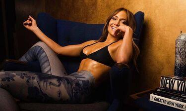 Jennifer Lopez: Six pack «τούμπανο» για τη 49χρονη pop star (photos)