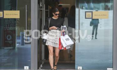 Η Τσιμτσιλή πήγε για ψώνια ολομόναχη και το διασκέδασε - Τα παπούτσια της είναι trend (photos)