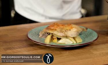 Ο Τσούλης μαγειρεύει κοτόπουλο λεμονάτο με πατάτες στο φούρνο