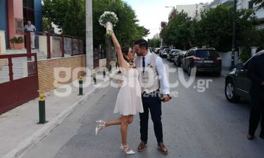Γάμος Χατζίδου: Οι πρώτες εικόνες από το Δημαρχείο (exclusive photos+video)