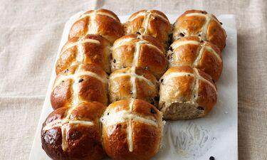Αυτό το Hot cross buns είναι κάτι παραπάνω από γευστικό