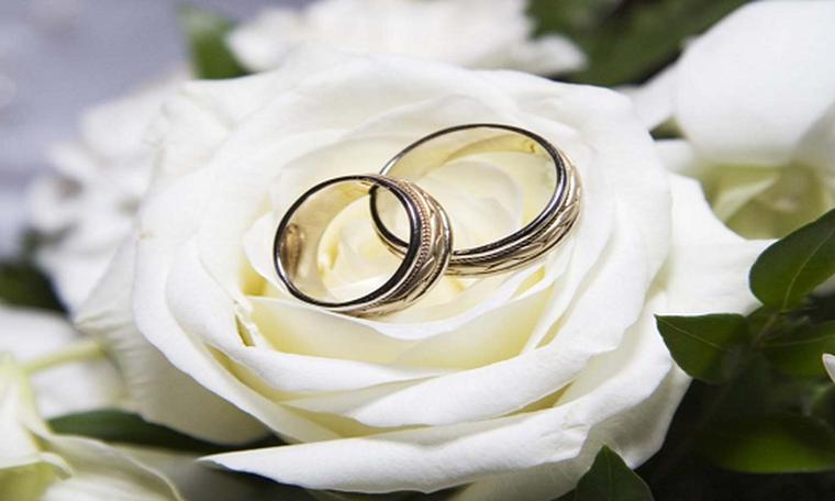 Πρωταγωνίστρια του Τατουάζ παντρεύτηκε και τέτοιο νυφικό δεν έχετε ξαναδεί (photos)