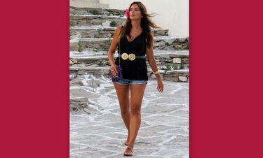 Σταματίνα Τσιμτσιλή: Δείτε την στην παραλία με μαγιό και χωρίς ρετούς! (Video)