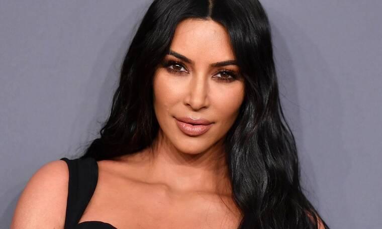Kim Kardashian: Μας έδειξε για πρώτη φορά το νεογέννητο μωράκι της (photos)