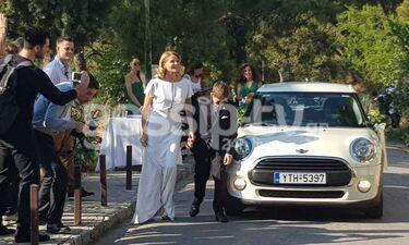 Γάμος Μπαλατσινού-Κικίλια: Το παραμυθένιο νυφικό της Τζένης - Χέρι χέρι με τον γιο της (exclusive)