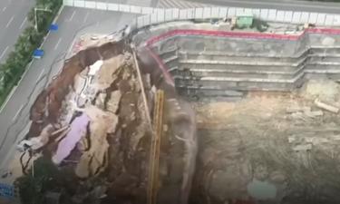 Τρομερό! Δρόμος κατέρρευσε σε δευτερόλεπτα σαν… χάρτινος πύργος (photos+video)