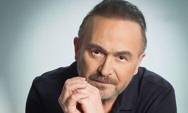 Ο Σταμάτης Γονίδης αποκαλύπτει τι ψηφίζει μέσα από το νέο του τραγούδι (video)