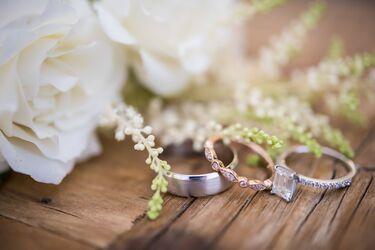 Λαμπερός γάμος στην ελληνική showbiz – Παντρεύτηκε την εγκυμονούσα αγαπημένη του (Vid & Photos)
