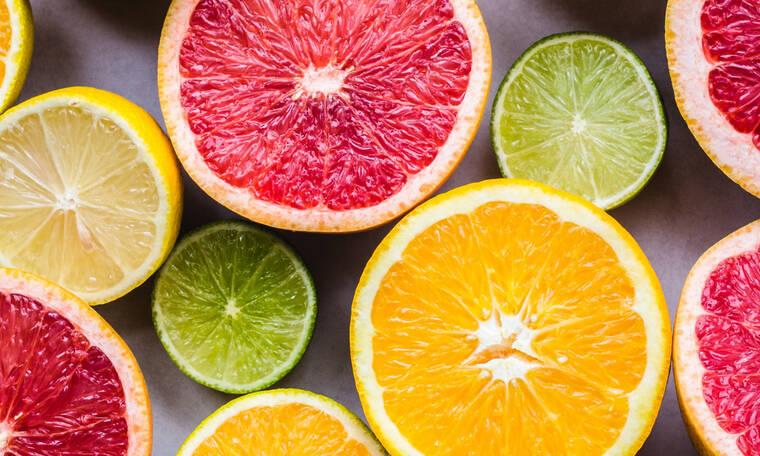 Πώς θα κάνεις τα λεμόνια και τα πορτοκάλια να βγάζουν περισσότερο χυμό