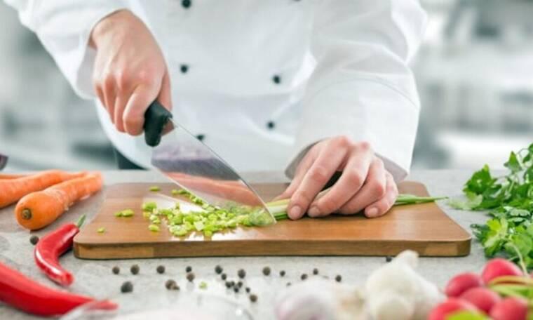Δε φαντάζεστε ποιος Έλληνας άφησε την υποκριτική και έγινε επιτυχημένος σεφ στην Κίνα (Video)