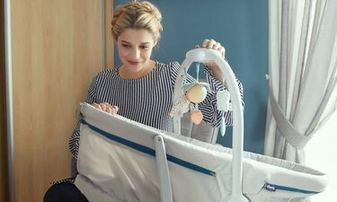 Τζένη Θεωνά: Ποζάρει την ώρα του θηλασμού και στέλνει το δικό της μήνυμα (photos)