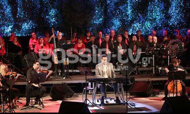Όλα όσα έγιναν στη φιλανθρωπική συναυλία του Σταμάτη Σπανουδάκη στο Κηποθέατρο Παπάγου (photos)