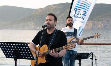 Ο Κώστας Μακεδόνας τραγούδησε εν πλω! (photos)