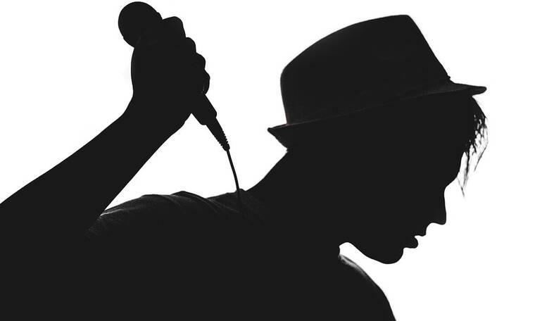 Δεν θα πιστεύετε στα μάτια σας με την αλλαγή γνωστού τραγουδιστή!Η απώλεια κιλών κι η ανανέωση(pics)