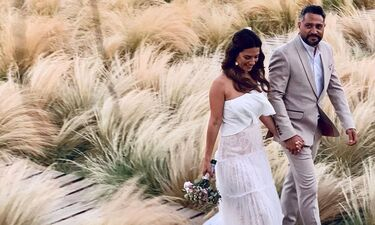 Το δημόσιο «ευχαριστώ» της Βάσως Λασκαράκη μετά το γαμήλιο πάρτι! (photos)