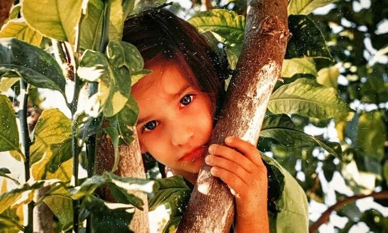 Μαντέψτε ποια είναι το κοριτσάκι της φωτογραφίας (photos)
