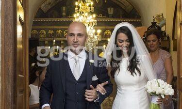 Μπογδάνος-Καρβέλα: Το φωτογραφικό άλμπουμ του γάμου τους και η... καζούρα στον γαμπρό! (photos)