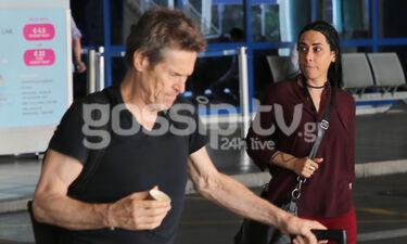O Willem Dafoe με τη σύζυγό του στην Ελλάδα: Καρέ-καρέ η άφιξή τους (photos)