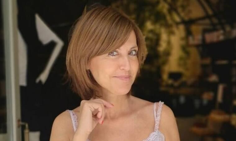 Αλεξάνδρα Παλαιολόγου: Ποζάρει με το μπικίνι της, χωρίς μακιγιάζ και με βατραχοπέδιλα (photos)