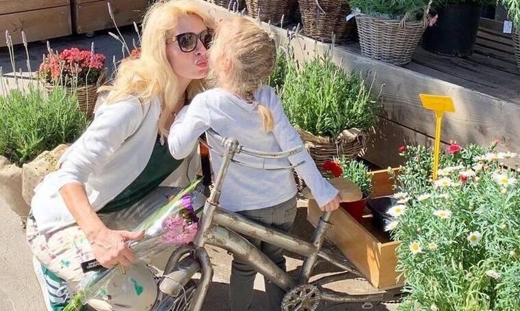 Ελένη Μενεγάκη: Αγκαλιά με την μικρή Μαρίνα στο instagram – H απίστευτη ομοιότητά τους!