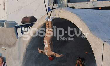 J Balvin: Δείτε τι κάνει στη Μύκονο ο πασίγνωστος star - Γιατί κρεμάστηκε; (photos)